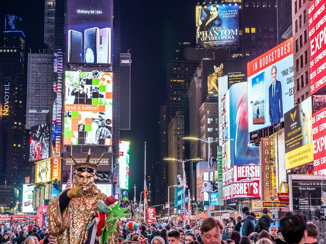 Kinh tế ban đêm- những con số hấp dẫn và thách thức chờ đợi - Ảnh 1.