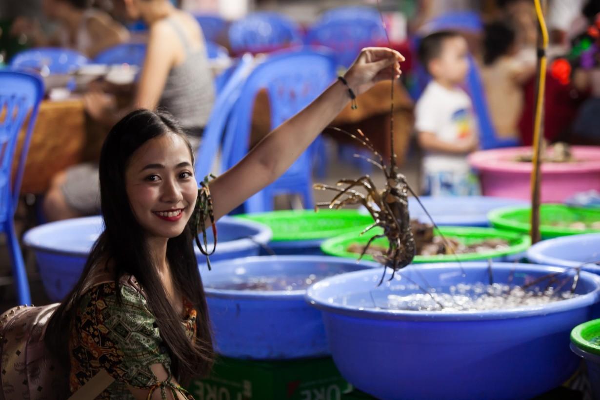 """Khám phá """"thủ phủ"""" du lịch Hạ Long cùng hot girl Trang Hime - Ảnh 13."""