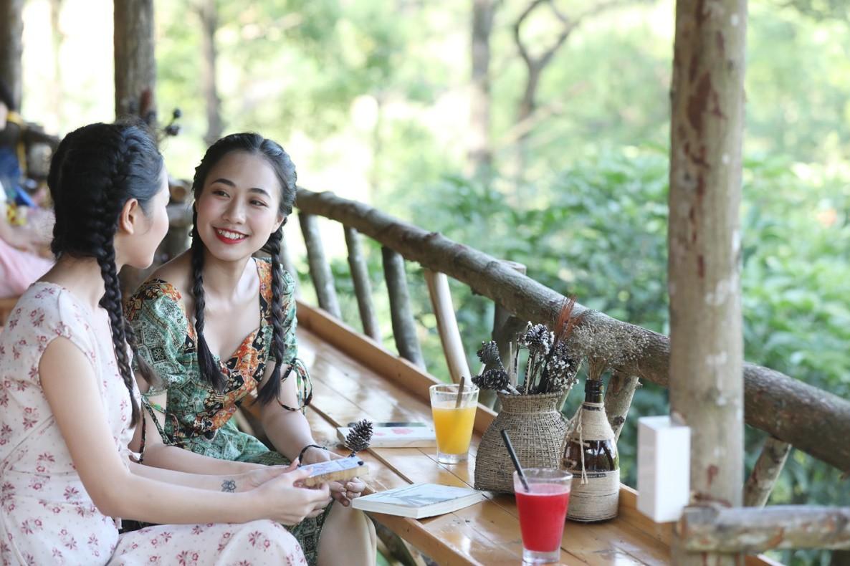 """Khám phá """"thủ phủ"""" du lịch Hạ Long cùng hot girl Trang Hime - Ảnh 14."""