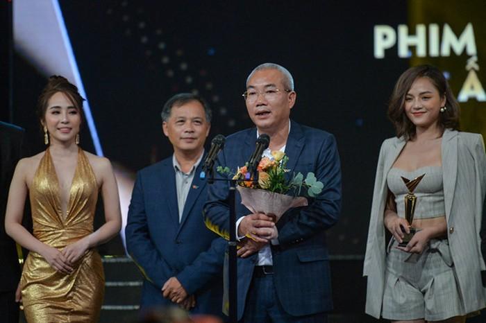 Về nhà đi con thắng lớn tại giải VTV Awards 2019 - Ảnh 1.