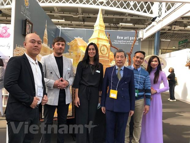 Hàng thủ công mỹ nghệ Việt Nam gây chú ý tại hội chợ quốc tế London - Ảnh 1.