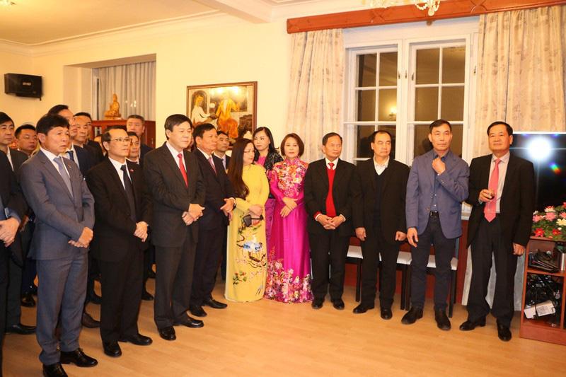 Từng bừng Tết sớm trong cộng đồng người Việt tại Séc - Ảnh 2.