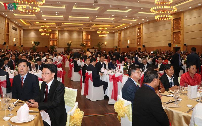 Thủ tướng Campuchia đón Tết Nguyên đán cùng cộng đồng người Việt - Ảnh 3.