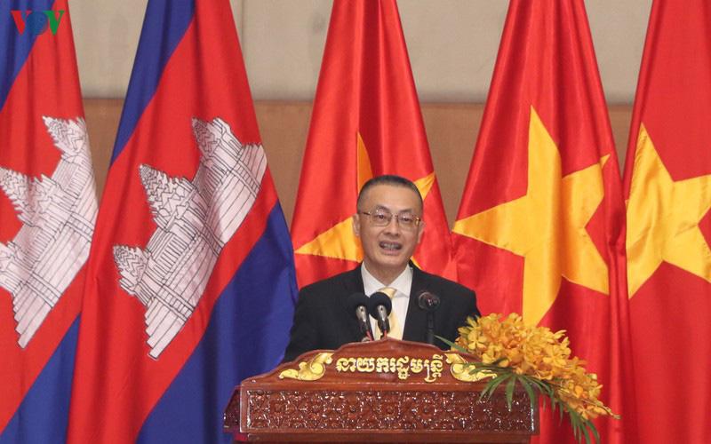 Thủ tướng Campuchia đón Tết Nguyên đán cùng cộng đồng người Việt - Ảnh 2.
