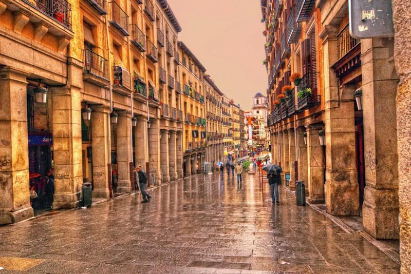 Những thành phố xinh đẹp ở châu Âu hạn chế ô tô lưu thông - Ảnh 3.