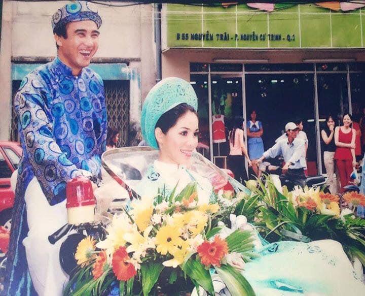 Vợ MC Quyền Linh chia sẻ kỷ niệm khó quên trong ngày cưới - Ảnh 2.