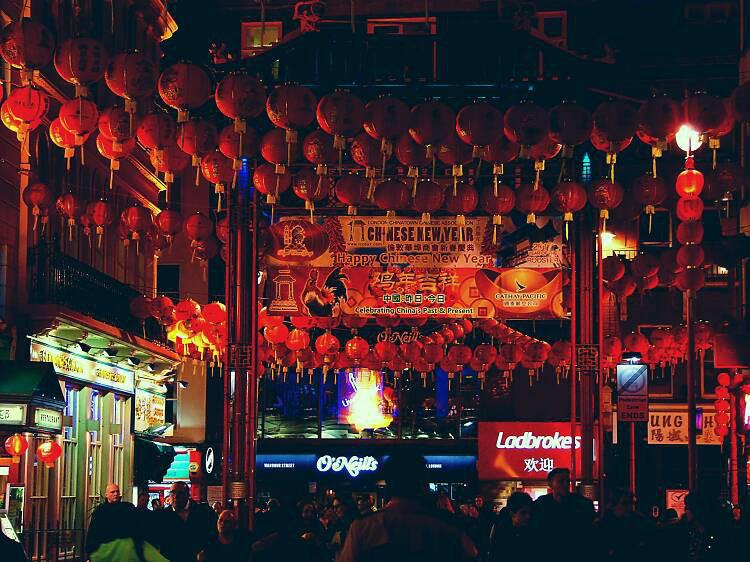 Những lễ hội đón Tết rực rỡ nhất trên thế giới - Ảnh 10.