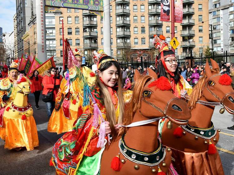 Những lễ hội đón Tết rực rỡ nhất trên thế giới - Ảnh 7.