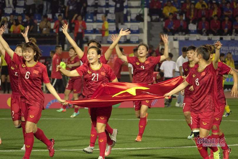 Bóng đá Việt Nam năm 2020: VFF bước tới, thầy Park vững chiêu - Ảnh 2.