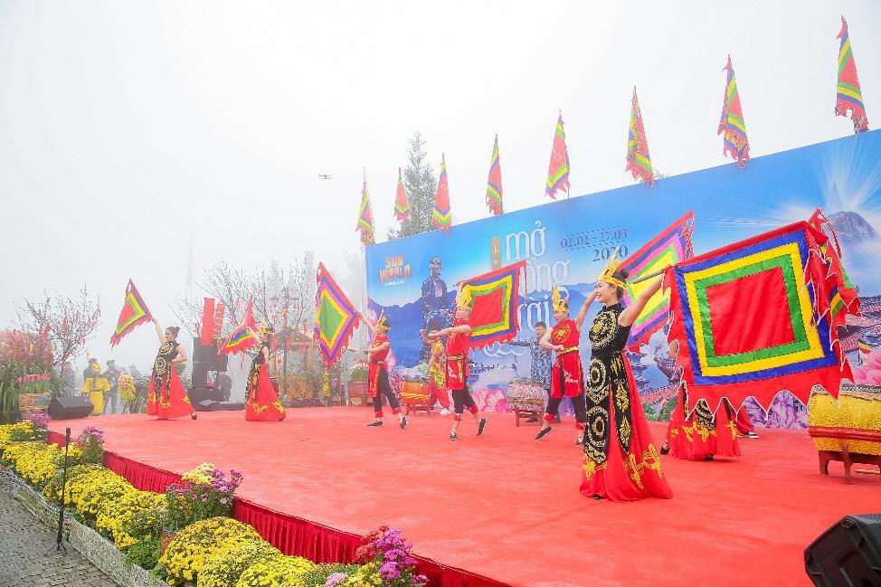 Sun World Fansipan Legend tưng bừng khai mạc Hội xuân mở cổng trời và Lễ hội khèn hoa 2020 - Ảnh 1.
