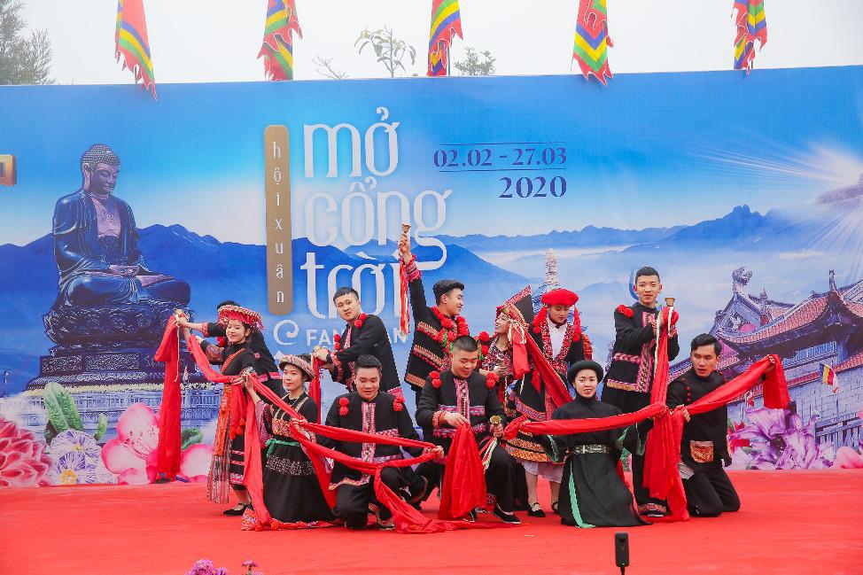 Sun World Fansipan Legend tưng bừng khai mạc Hội xuân mở cổng trời và Lễ hội khèn hoa 2020 - Ảnh 4.