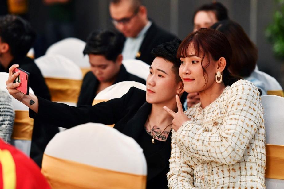 Bắt gặp các cầu thủ tuyển bóng đá nữ Việt Nam du ngoạn ở Ha Long - Ảnh 3.