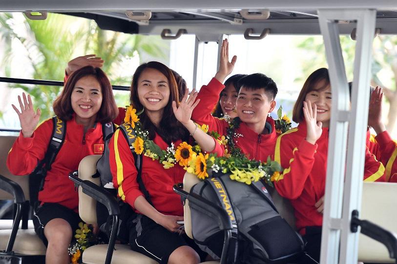 Bắt gặp các cầu thủ tuyển bóng đá nữ Việt Nam du ngoạn ở Ha Long - Ảnh 7.