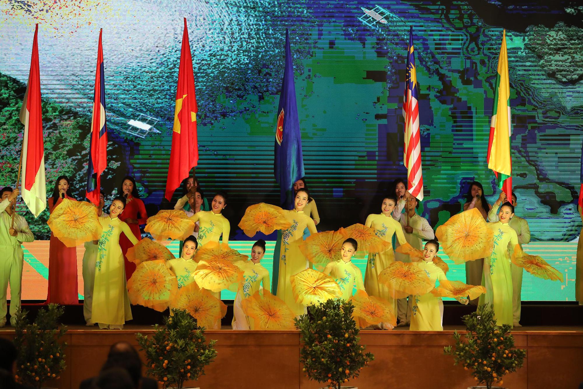 Lễ Khởi động Năm Chủ tịch ASEAN 2020 - Ảnh 4.