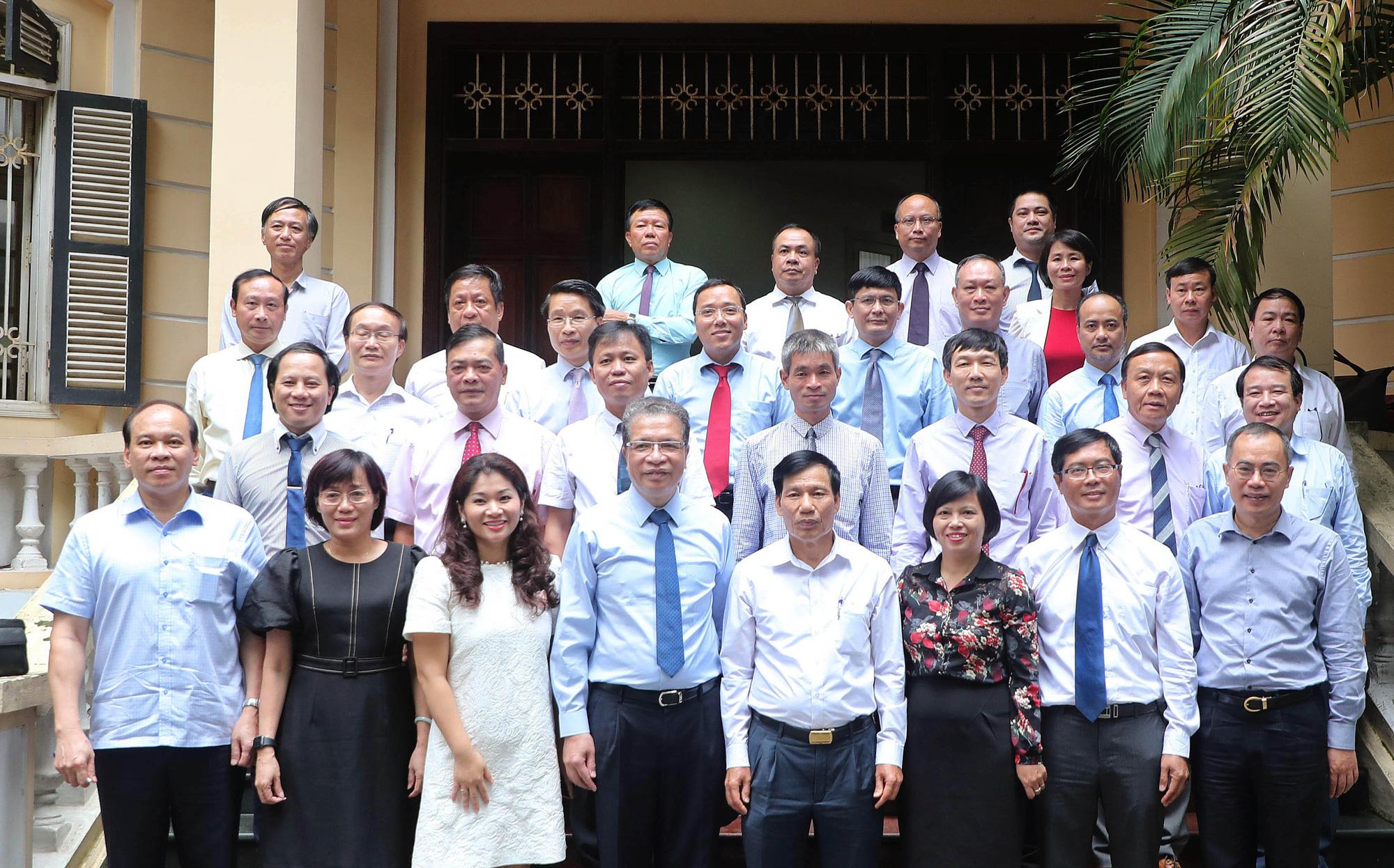 Bộ trưởng Nguyễn Ngọc Thiện gặp mặt Trưởng Cơ quan đại diện Việt Nam ở nước ngoài nhiệm kỳ 2020-2023 - Ảnh 7.