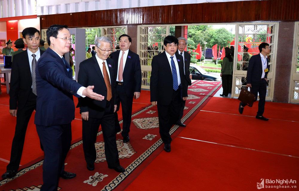 Thủ tướng Nguyễn Xuân Phúc dự Đại hội Đảng bộ tỉnh Nghệ An - Ảnh 3.