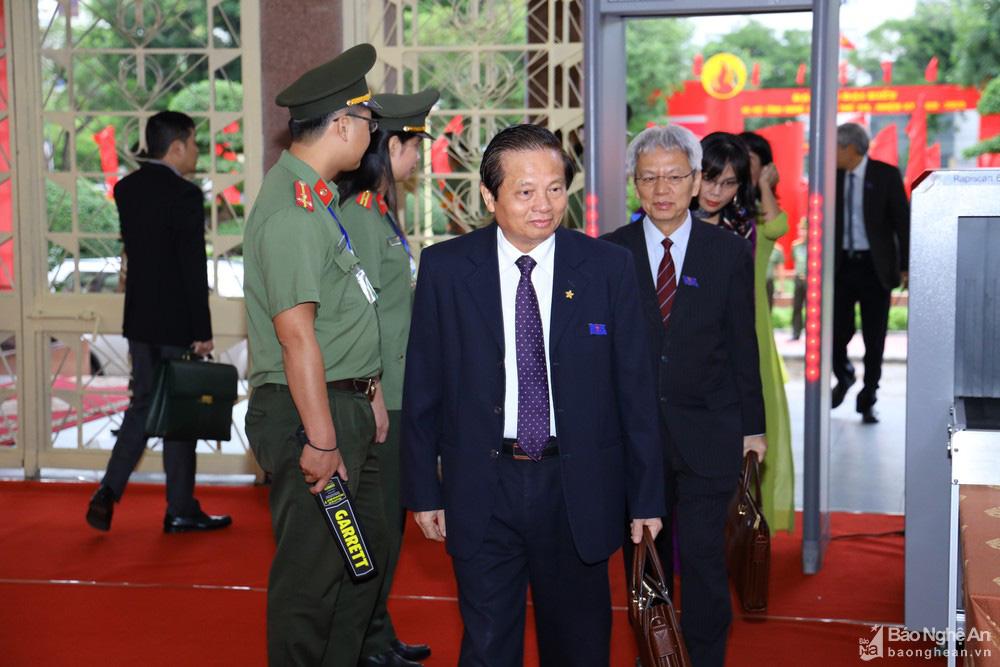 Thủ tướng Nguyễn Xuân Phúc dự Đại hội Đảng bộ tỉnh Nghệ An - Ảnh 12.