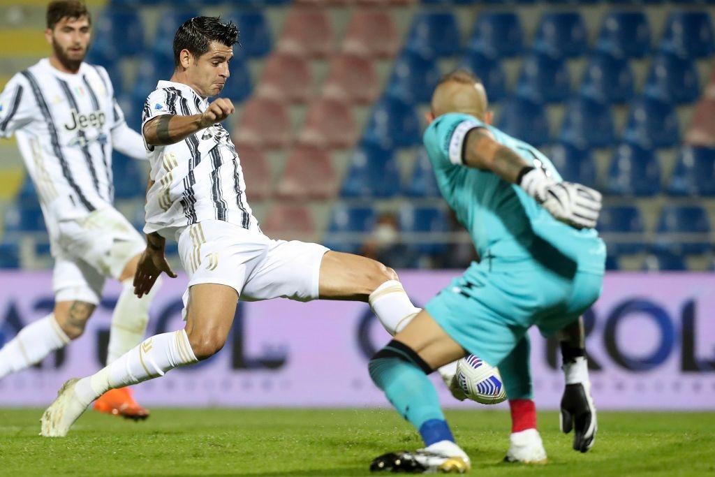 Vắng Ronaldo và bị đuổi người, Juventus nhọc nhằn giành 1 điểm - Ảnh 2.