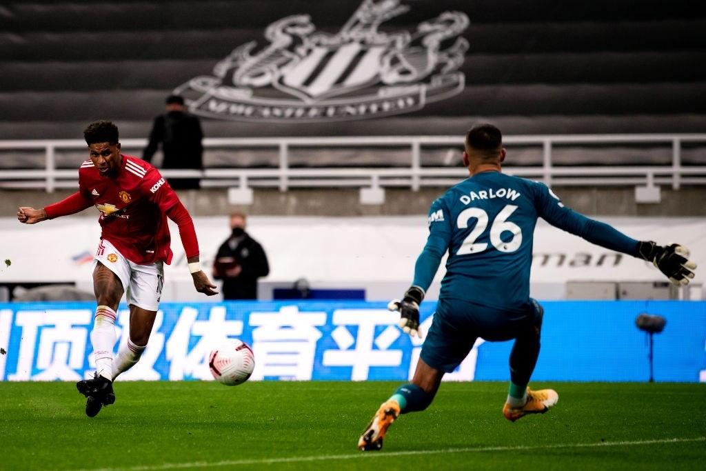 Phản lưới nhà và hỏng phạt đền, Man Utd vẫn thắng ngược nhờ 3 bàn trong 10 phút cuối - Ảnh 9.