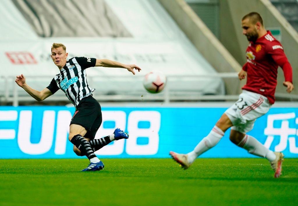 Phản lưới nhà và hỏng phạt đền, Man Utd vẫn thắng ngược nhờ 3 bàn trong 10 phút cuối - Ảnh 2.