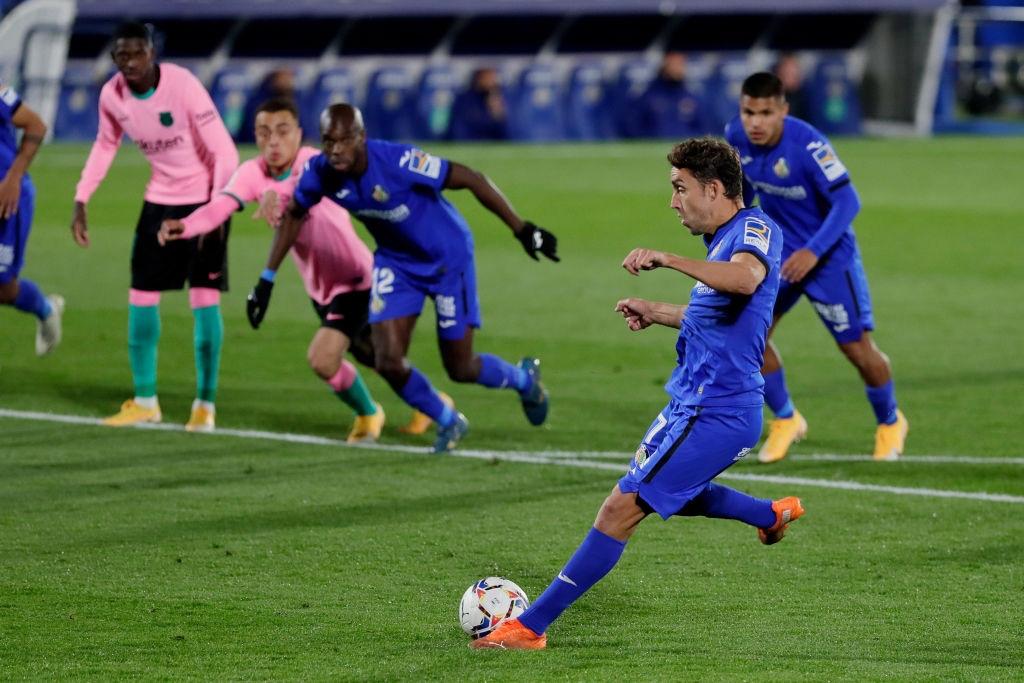 Messi bị đánh cùi chỏ, nằm sân đau đớn trong thất bại bất ngờ của Barcelona - Ảnh 9.