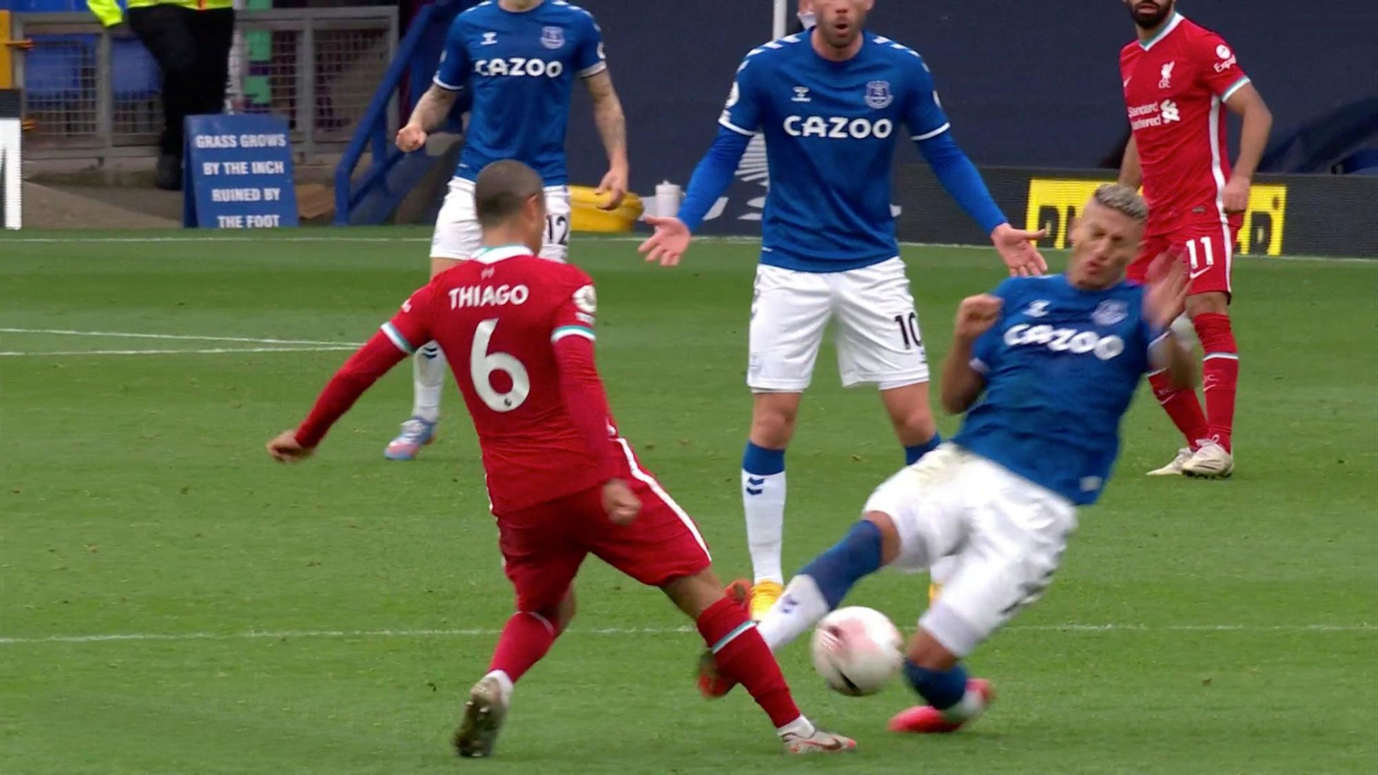 """Van Dijk có thể phải nghỉ thi đấu từ 7-8 tháng, Liverpool """"phẫn nộ"""" đòi kiện BTC Premier League - Ảnh 2."""