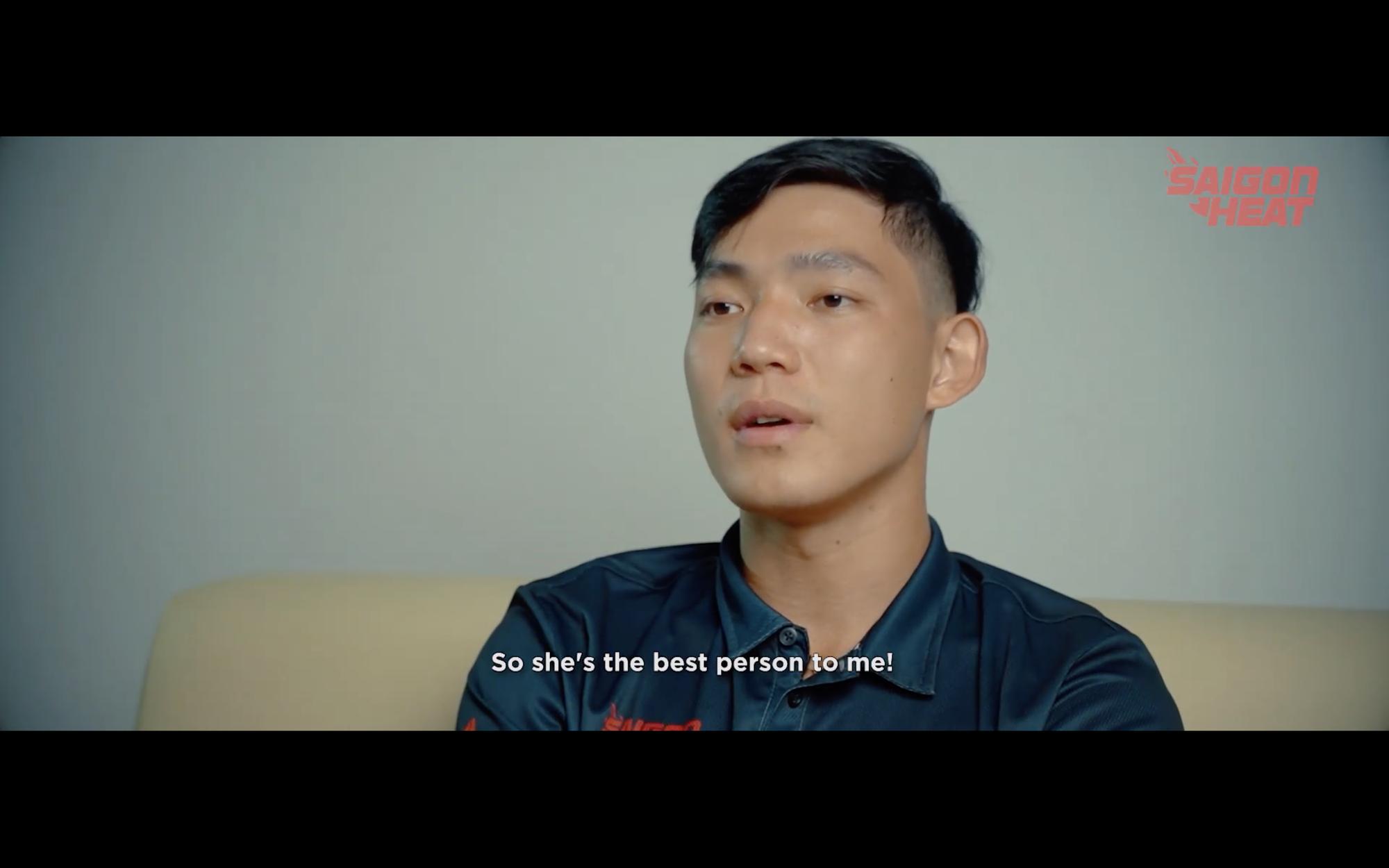 Võ Kim Bản lấy nước mắt người hâm mộ với clip cảm động về người mẹ thứ 2 nhân ngày phụ nữ Việt Nam - Ảnh 2.