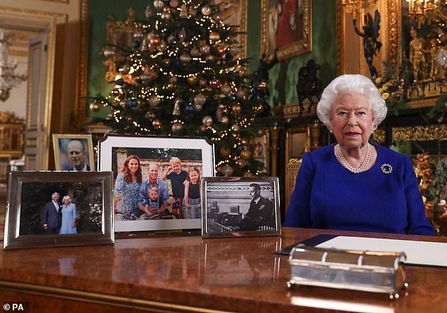 Hoàng gia Anh bị cáo buộc đã đối xử tàn nhẫn với nhà Sussex khiến họ ra đi, Harry đã ôm mối oán giận trong lòng từ lâu - Ảnh 2.