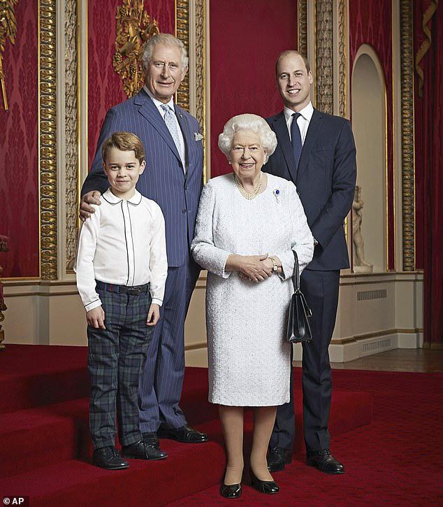 Hoàng gia Anh bị cáo buộc đã đối xử tàn nhẫn với nhà Sussex khiến họ ra đi, Harry đã ôm mối oán giận trong lòng từ lâu - Ảnh 3.