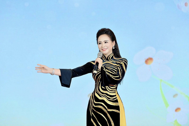 Bùi Thanh Hương – Người phụ nữ dành cả thanh xuân cho hoạt động cộng đồng - Ảnh 1.