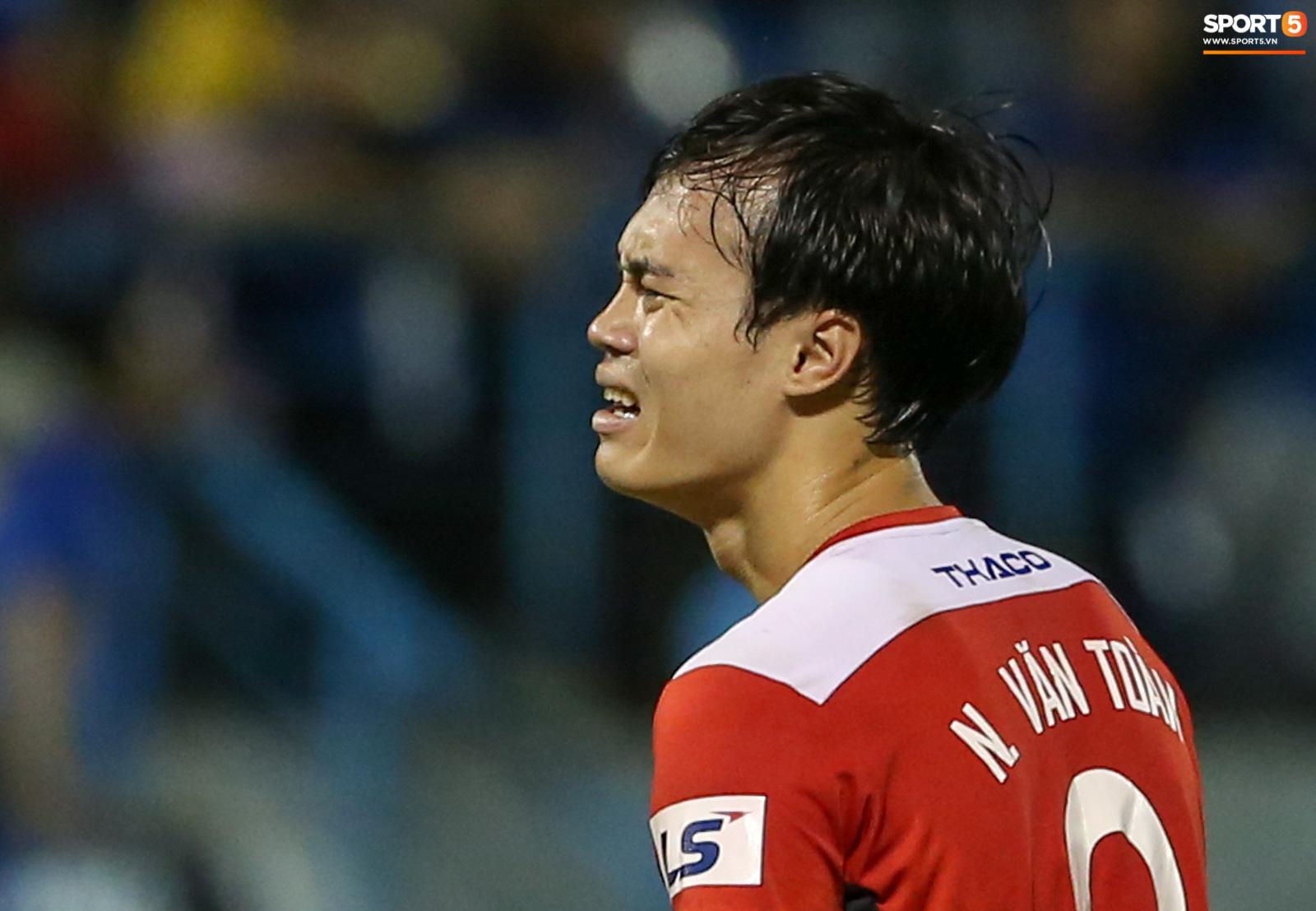 HAGL: Kho điểm trên đường đua vô địch V.League và lời thú nhận đội nhà đá chán của Văn Toàn - Ảnh 2.
