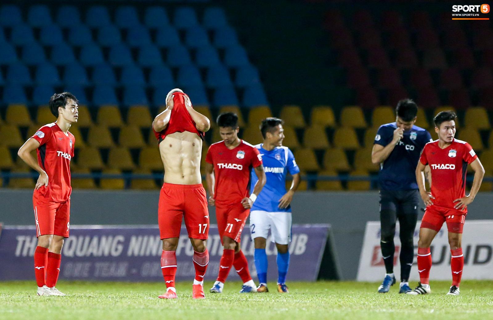 HAGL: Kho điểm trên đường đua vô địch V.League và lời thú nhận đội nhà đá chán của Văn Toàn - Ảnh 1.