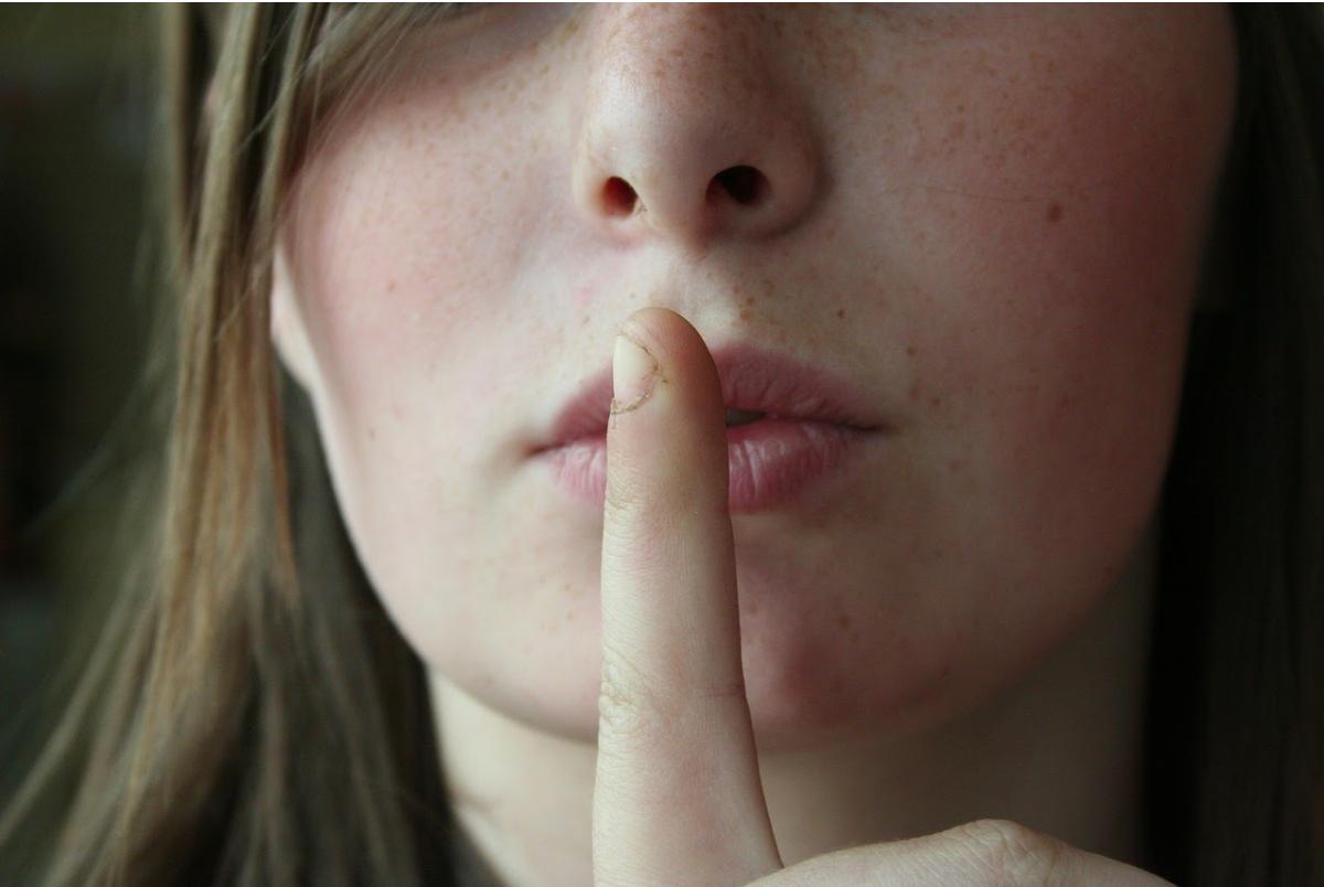 Ngoáy tai, ngoáy mũi, nặn mụn có thể gây tử vong: 5 hành động ngứa tay quen thuộc rất nguy hiểm, không nên làm tùy tiện - Ảnh 9.