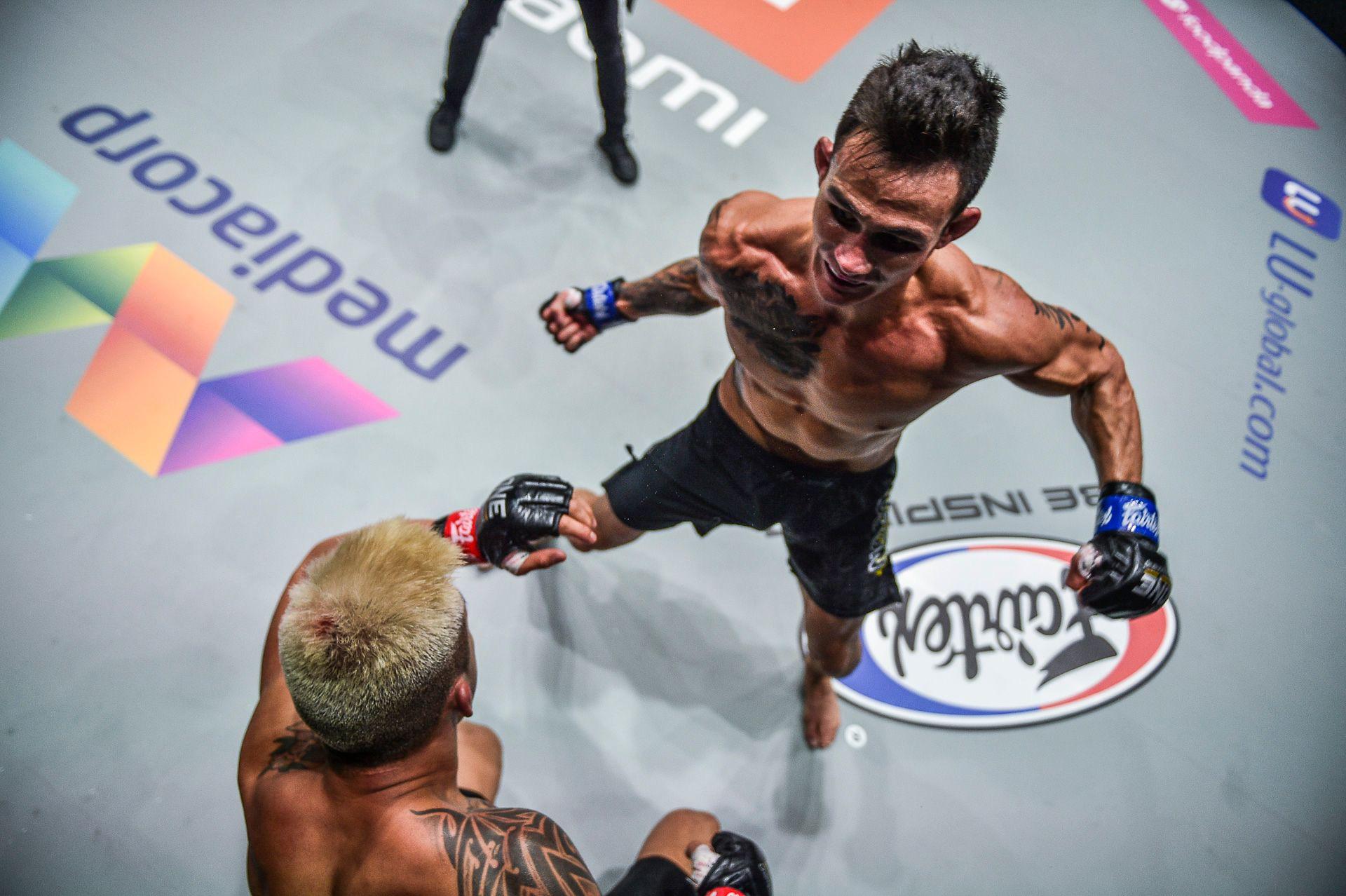 Chùm ảnh: Thành Lê hạ knock-out Martin Nguyễn, trở thành nhà vua mới tại hạng lông của ONE Championship - Ảnh 6.