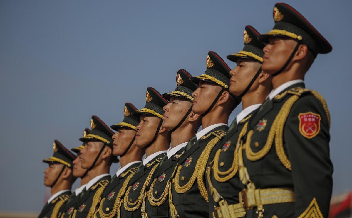 Báo TQ hé lộ chỉ thị của cấp trên khiến các báo đài của PLA phải tránh đưa tin về 2 vấn đề nóng ở Mỹ