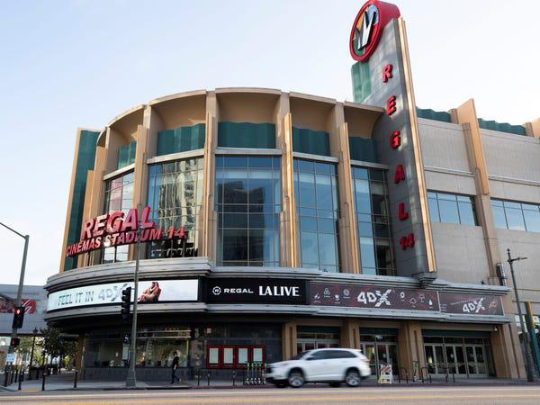 Chuỗi rạp phim lớn thứ 2 của Mỹ đóng cửa vô thời hạn toàn bộ 536 rạp vì Covid-19 - Ảnh 1.