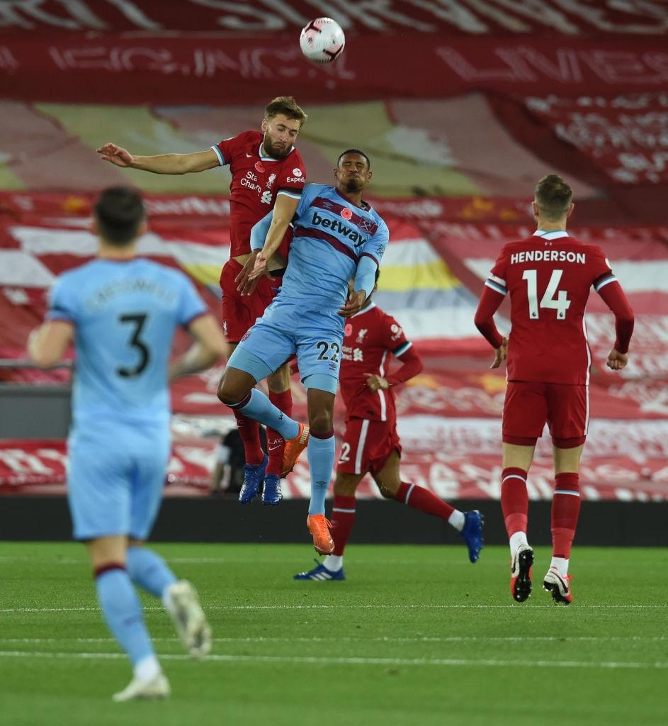 Kép phụ tỏa sáng, Liverpool ngược dòng thắng kịch tính để leo lên ngôi đầu Ngoại hạng Anh - Ảnh 2.