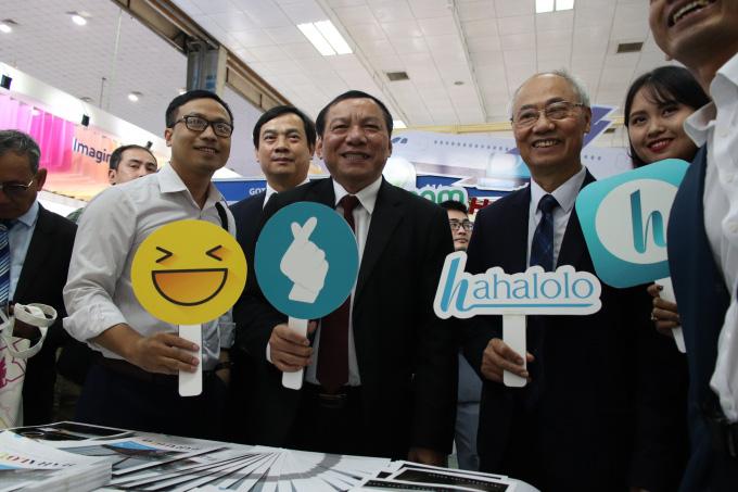 """MXH Hahalolo vinh dự nhận giải thưởng """"Công ty có sản phẩm công nghệ phục vụ khách du lịch tiêu biểu năm 2019"""" - Ảnh 1."""