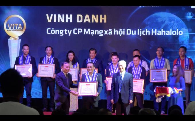 """MXH Hahalolo vinh dự nhận giải thưởng """"Công ty có sản phẩm công nghệ phục vụ khách du lịch tiêu biểu năm 2019"""" - Ảnh 2."""