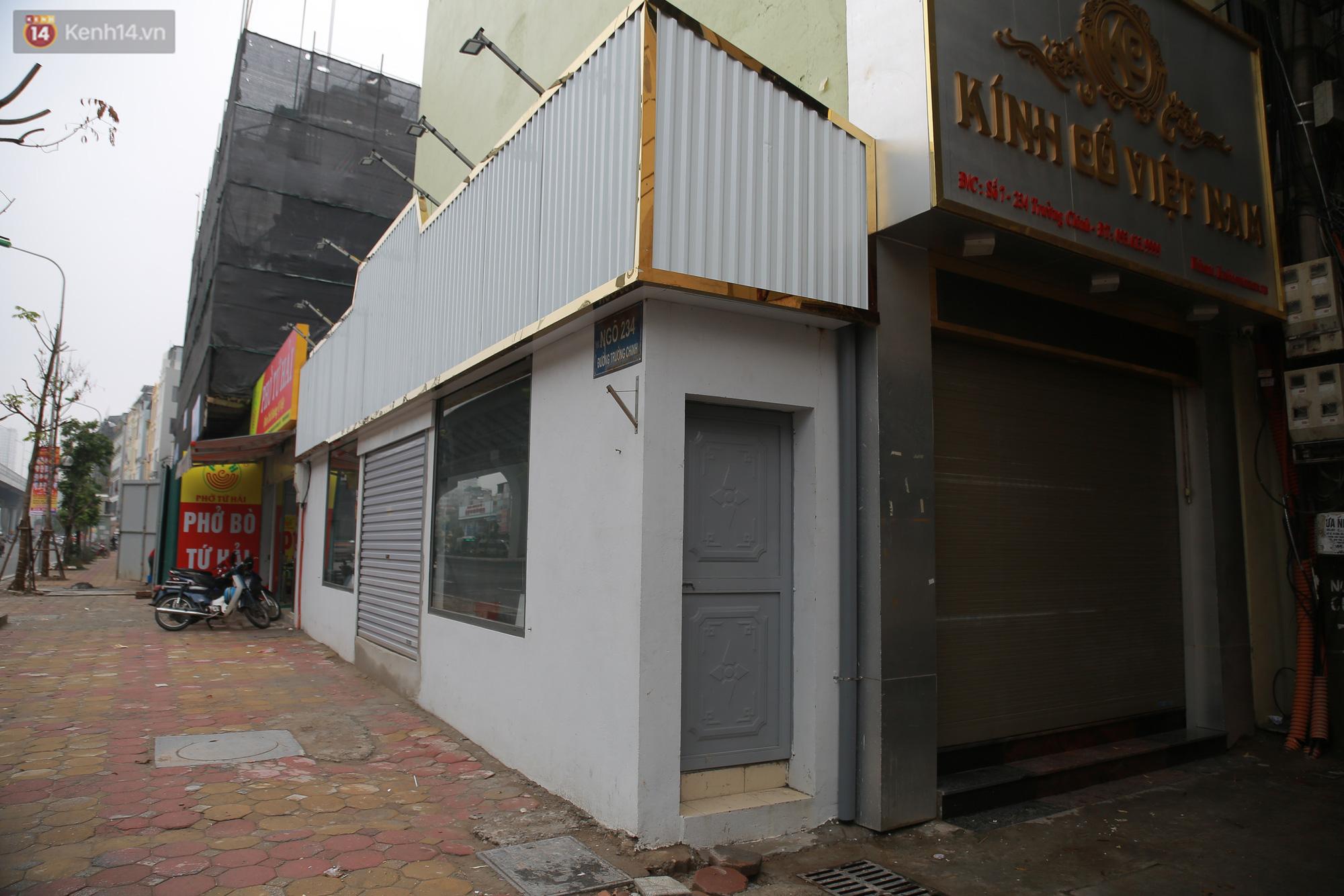 Ảnh: Cận cảnh những ngôi nhà siêu mỏng, siêu nhỏ ở đường Trường Chinh - Ảnh 8.