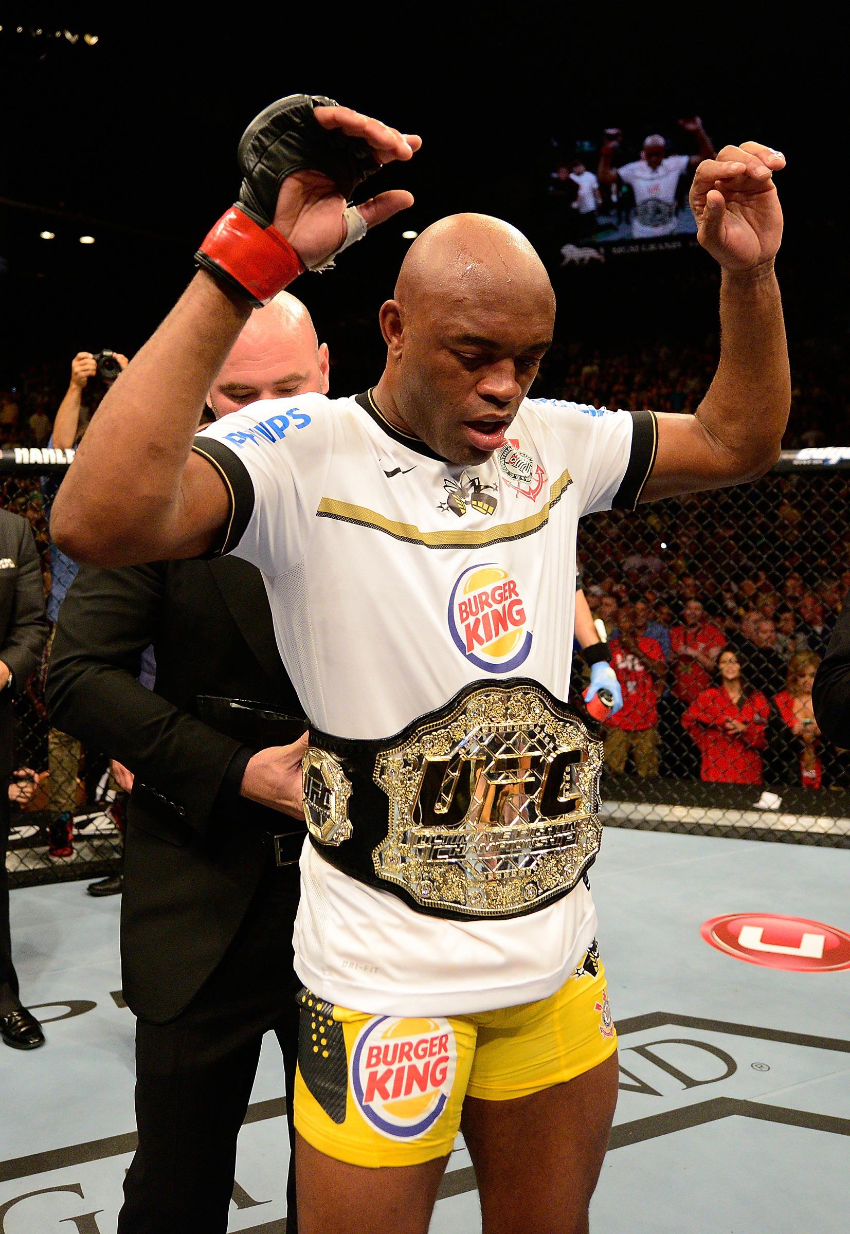 """Rời UFC, Anderson Silva tuyên bố vẫn sẽ tiếp tục thi đấu, thừa nhận đã bị """"ép giải nghệ"""" - Ảnh 3."""
