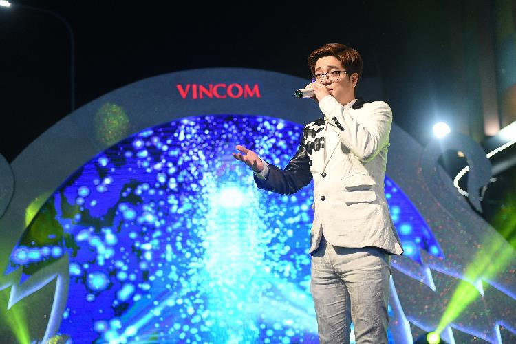 """Khai mạc mùa lễ hội với """"đại tiệc"""" mua sắm Vincom Black Friday 2020 - Ảnh 3."""