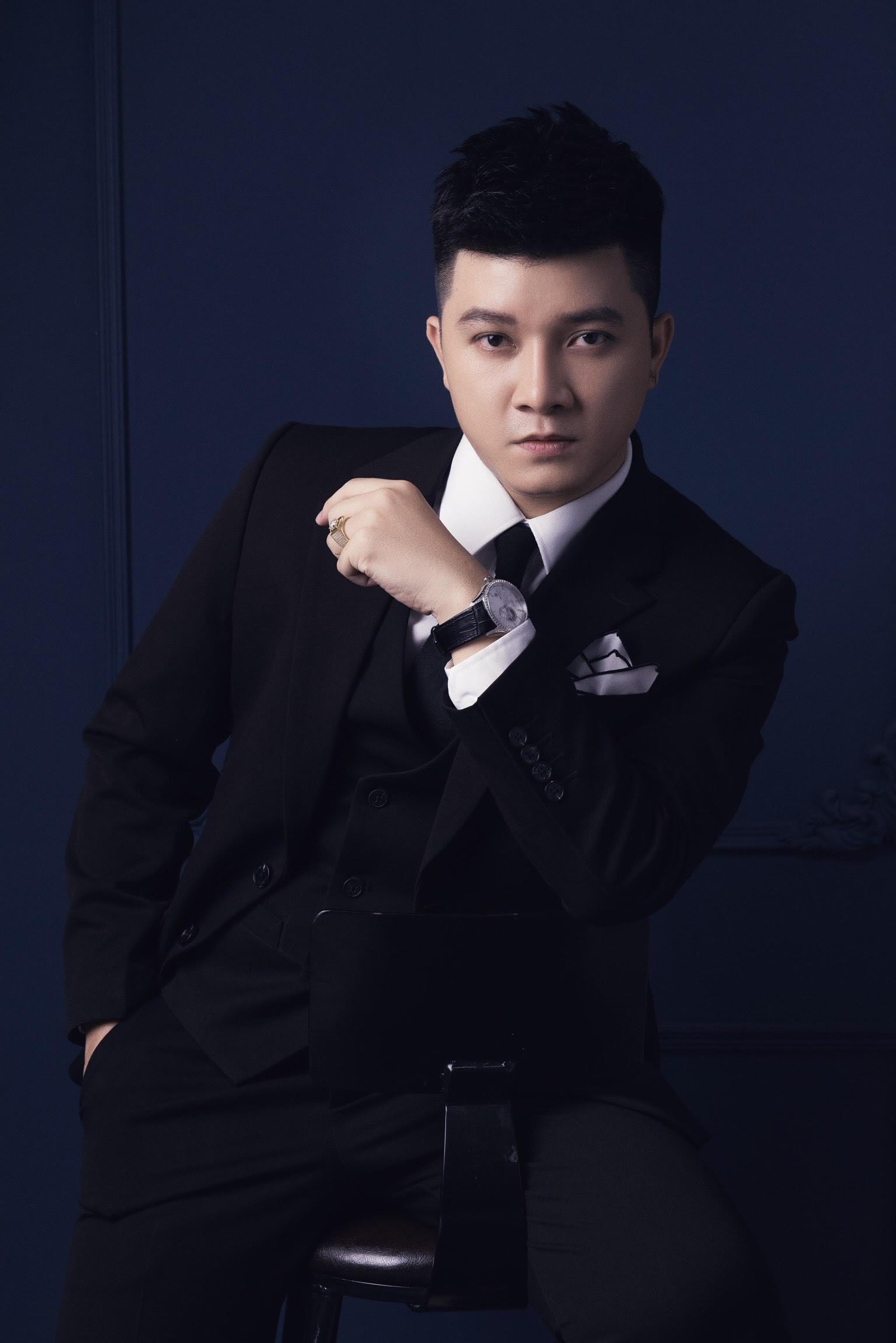 Nhà thiết kế gặp áp lực khi làm trang phục cho Trấn Thành ở Rap Việt - Ảnh 3.