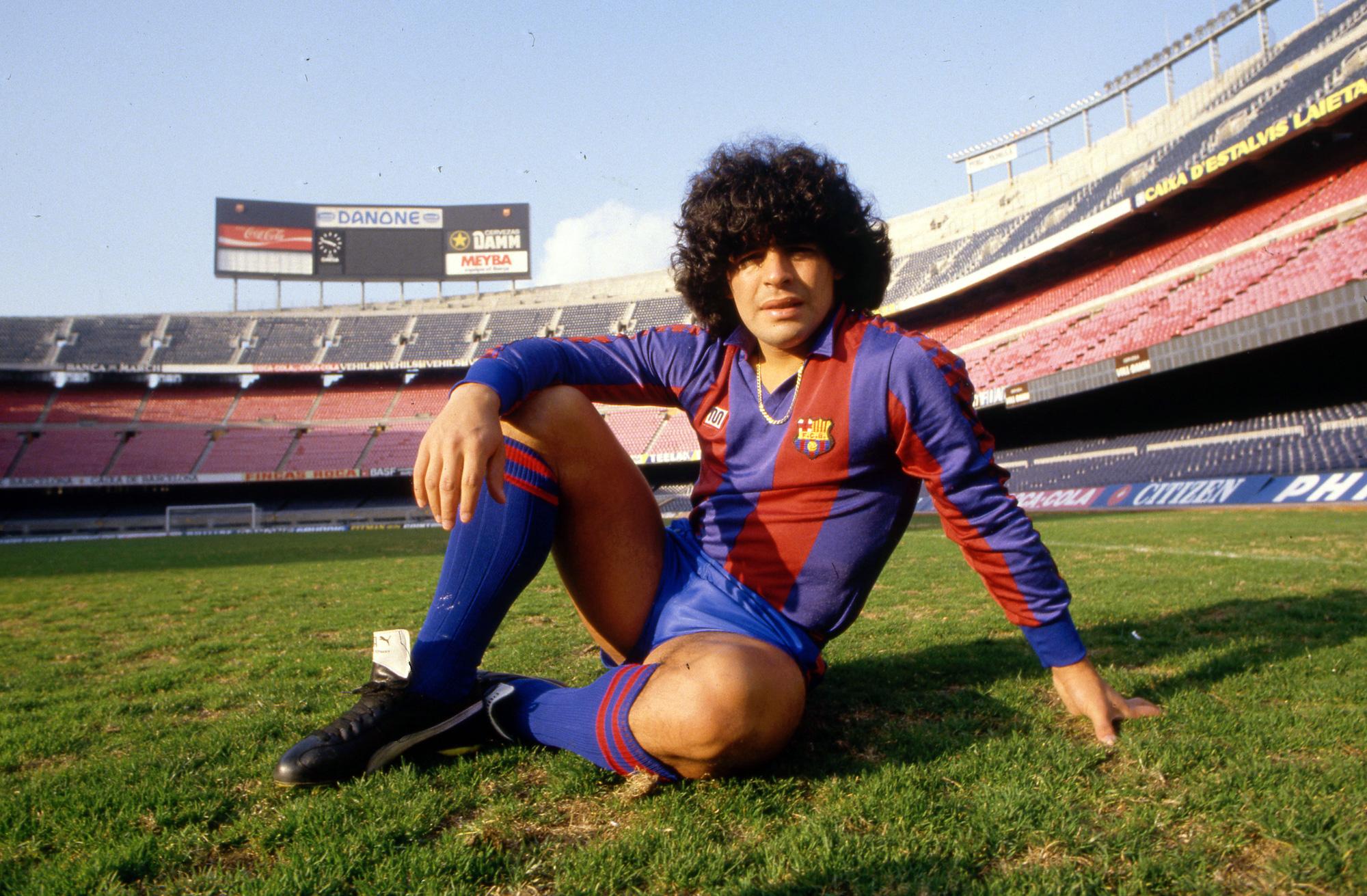 Cuộc đời Maradona qua ảnh: Đầy vinh quang nhưng cũng lắm tranh cãi - Ảnh 4.