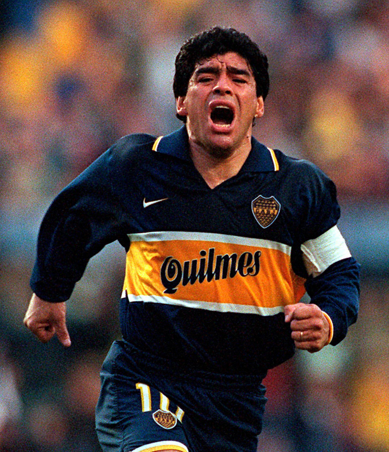 Cuộc đời Maradona qua ảnh: Đầy vinh quang nhưng cũng lắm tranh cãi - Ảnh 8.