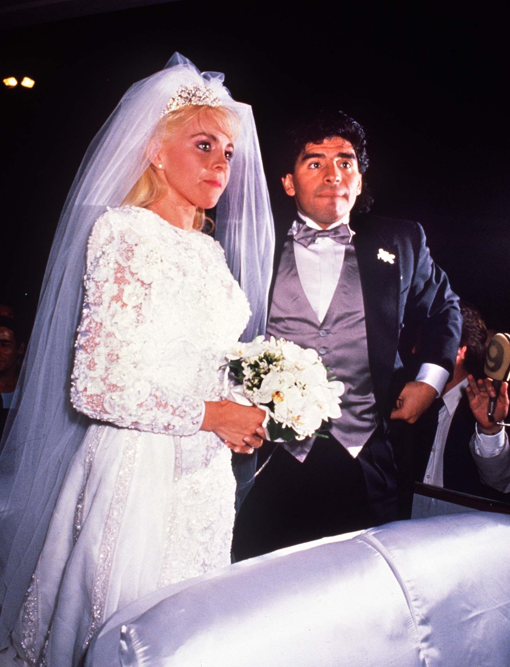 Cuộc đời Maradona qua ảnh: Đầy vinh quang nhưng cũng lắm tranh cãi - Ảnh 14.