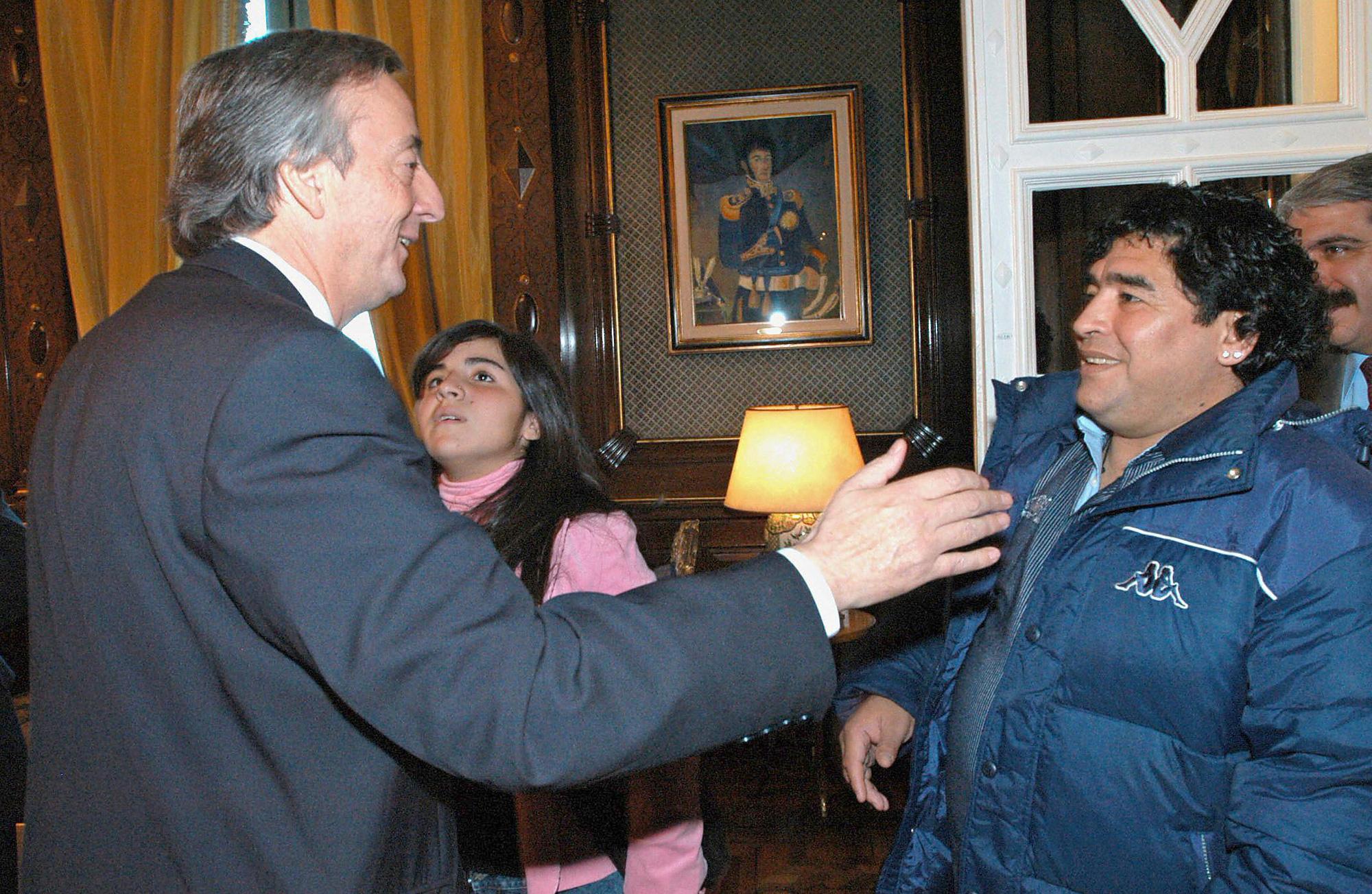 Cuộc đời Maradona qua ảnh: Đầy vinh quang nhưng cũng lắm tranh cãi - Ảnh 16.