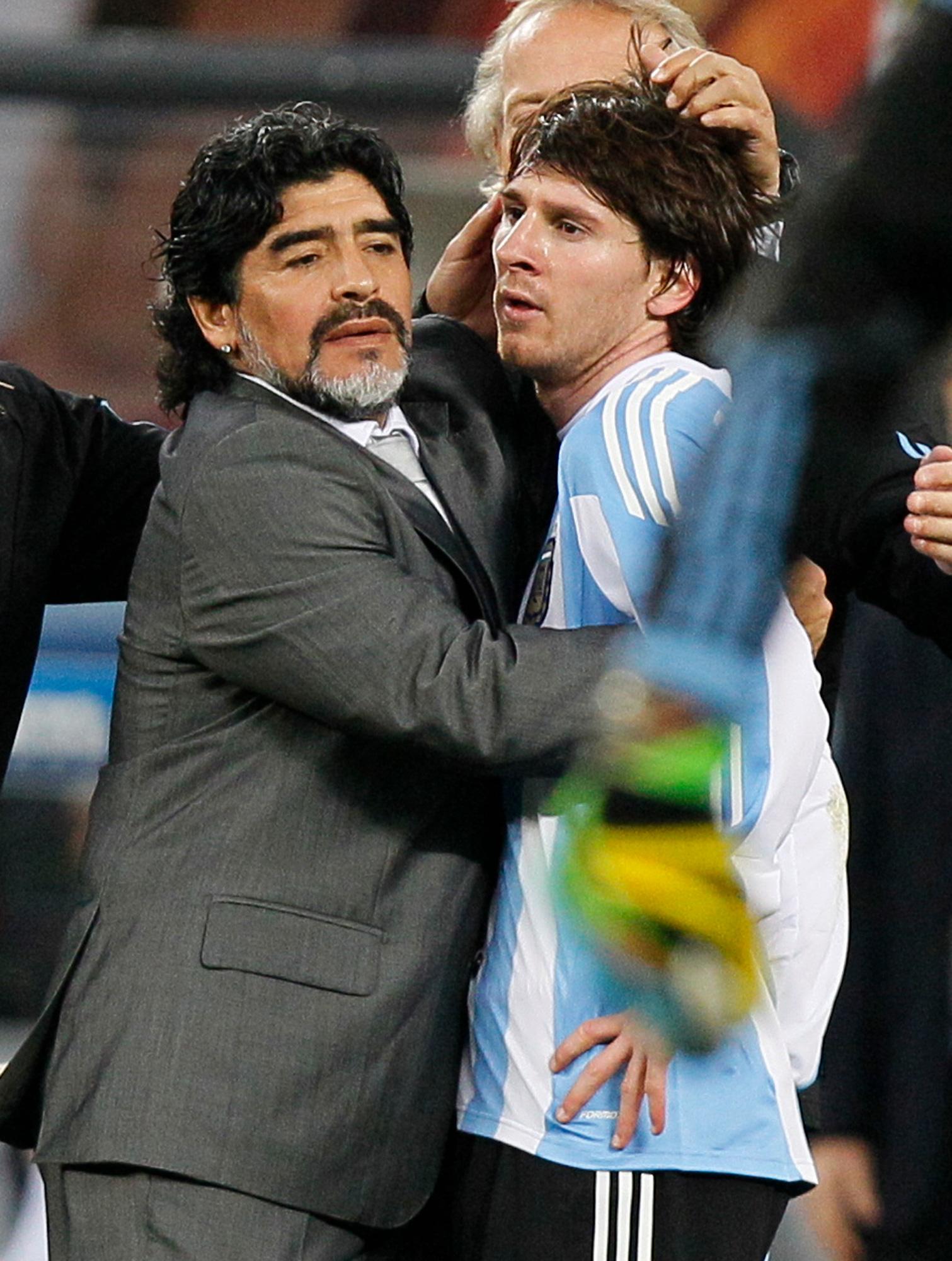 Cuộc đời Maradona qua ảnh: Đầy vinh quang nhưng cũng lắm tranh cãi - Ảnh 20.