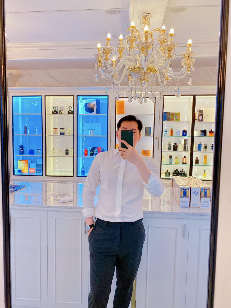 CEO Phạm Công & cơ sở nước hoa đình đám Perfume Louis Luxury - Ảnh 1.