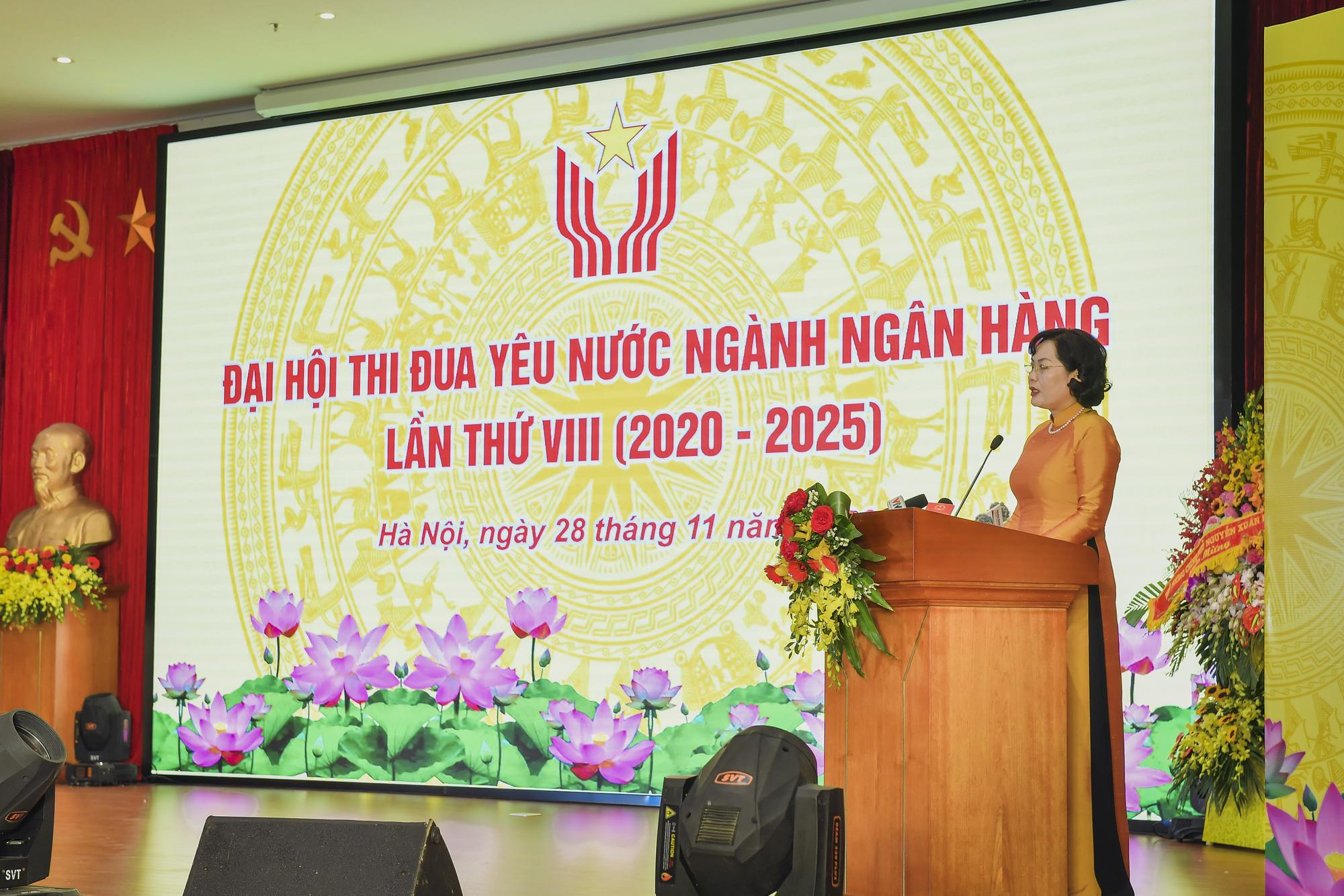Chủ tịch Quốc hội dự Đại hội thi đua yêu nước ngành Ngân hàng - Ảnh 4.